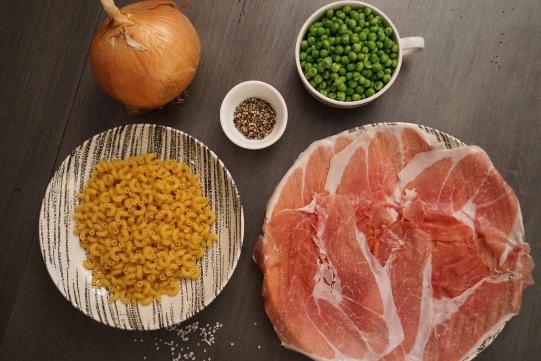 Small Kitchen, Big Food: Macaroni & Peas